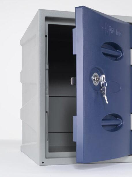 eXtreme Plastic Lockers