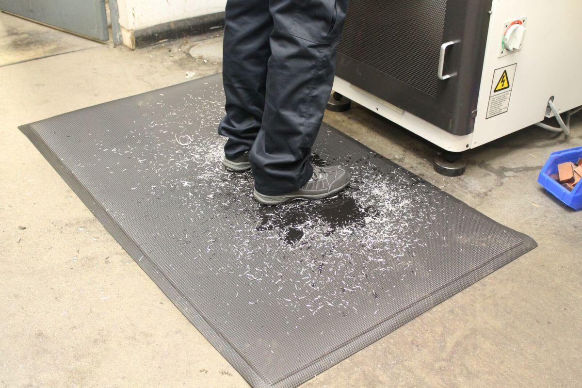 kitchen floor fatigue black gelpro mat anti com extreme standing walmart mats basketweave comfort ip classic