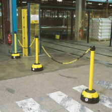 Hi-Vis Chain Barrier Posts