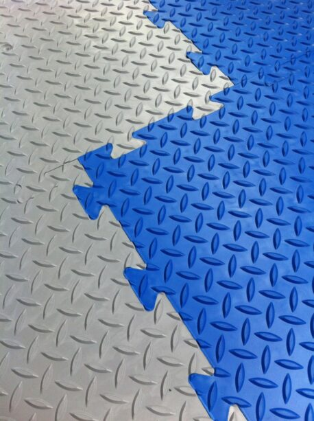Interlocking Vinyl Floor Tiles - Checker Plate Surface