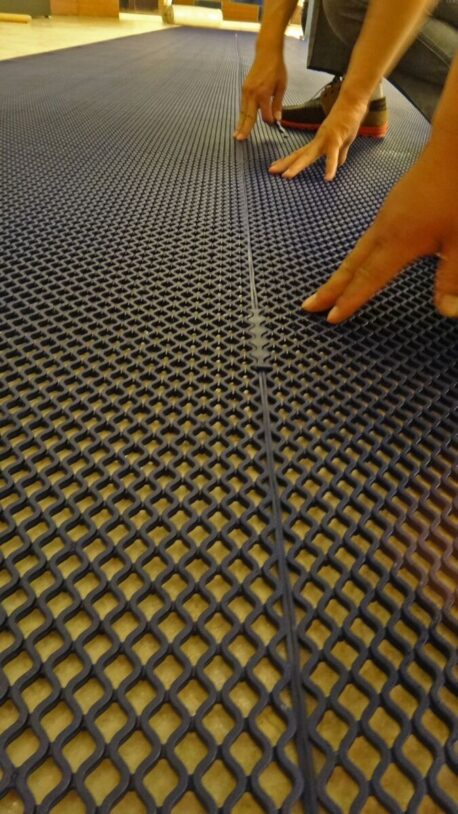 Wet Area Matting - Diamond Grid